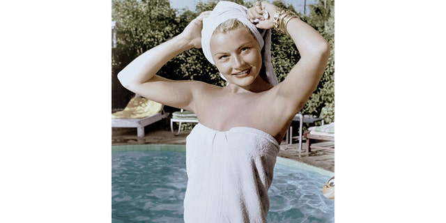 A young Barbara Payton headed to Hollywood to become a star.