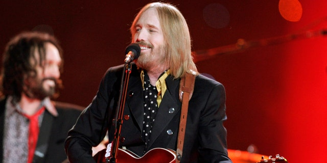 Singer Tom Petty and the Heartbreakers