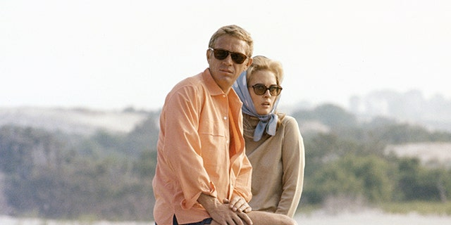 American actors Steve McQueen and Faye Dunaway on the set of The Thomas Crown Affair, directed by Norman Jewison. (Photo by United Artists/Sunset Boulevard/Corbis via Getty Images)