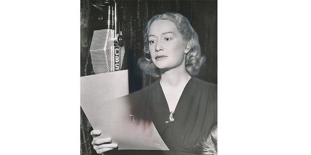 Miriam Hopkins performing in a Campbell's Playhouse 1940 radio broadcast with Humphrey Bogart.