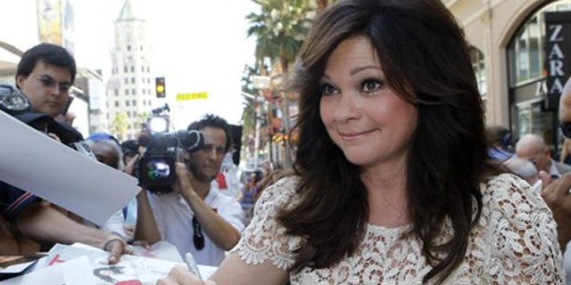 Actress Valerie Bertinelli signs autographs in Hollywood, Calif.