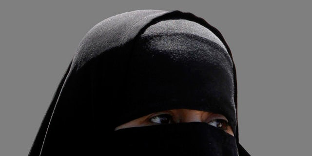 A bill has come foward in Sri Lanka to ban the burqa after the deadly Easter Sunday attacks.