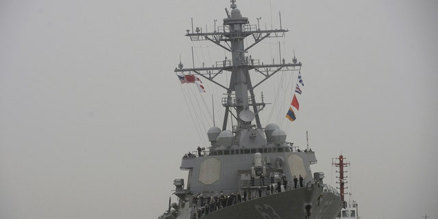 USS Stethem (DDG 63) destroyer vessel arrives at a military port for an official visit, in Shanghai, China, November 16, 2015. REUTERS/Stringer CHINA OUT. NO COMMERCIAL OR EDITORIAL SALES IN CHINA - RTS7BHM