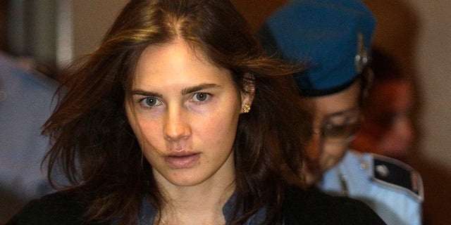 Amanda Knox wrote a letter of tribute to her roommate who was brutally murdered ten years ago.