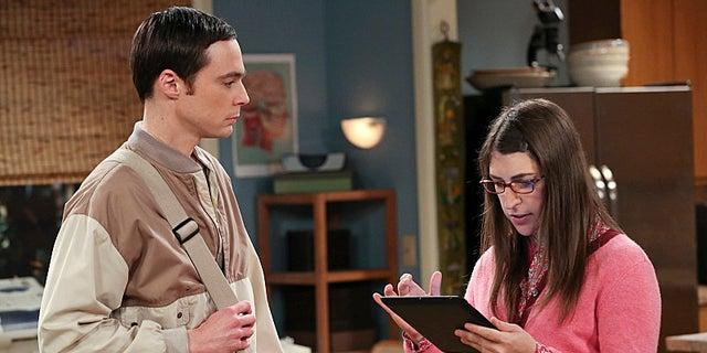 Jim Parsons and Mayim Bialik in 'The Big Bang Theory.'