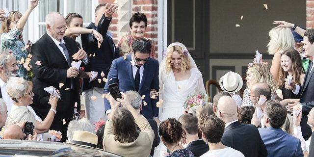 Johnny Depp's ex Vanessa Paradis married boyfriend, director Samuel Benchetrit on Saturday.