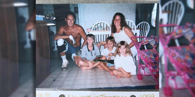 Cambrie Anderson posted this photo of a family who helped her family in 1999 in hopes of getting in touch with them.