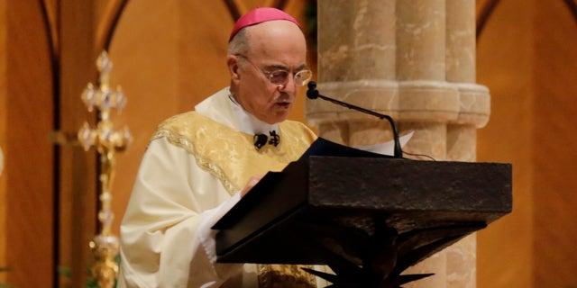 Carlo Maria Viganò.