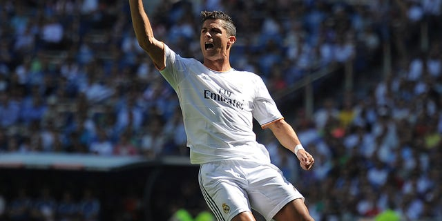 MADRID, SPAIN - SEPTEMBER 01:  Cristiano Ronaldo of Real Madrid reacts during the La Liga match between Real Madrid CF and Athletic Club Bilbao at estadio Santiago Bernabeu on September 1, 2013 in Madrid, Spain.  (Photo by Denis Doyle/Getty Images)