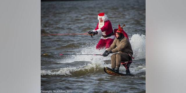 2013 Water Skiing  Santa at National Harbor (49)