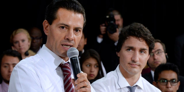 Mexico's President Enrique Pena Nieto and Canada's Prime Minister Justin Trudeau on June 28, 2016 in Ottawa.