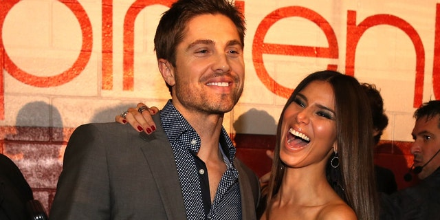 Roselyn Sanchez and Eric Winter during the Latin GRAMMY Awards on November 21, 2013 in Las Vegas, Nevada.