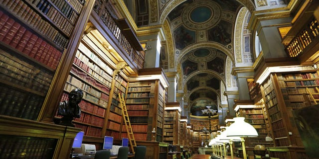 A photo taken on November 3, 2012 shows the library of the French National Assembly in Paris. The National Assembly is the lower house of the bicameral Parliament of France. The upper house is the Senate.  AFP PHOTO / FRANCOIS GUILLOT