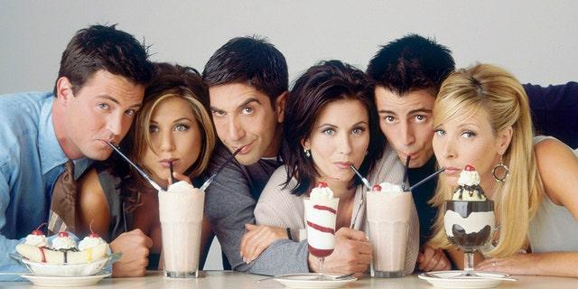 From left, Matthew Perry as Chandler Bing, Jennifer Aniston as Rachel Green, David Schwimmer as Ross Geller, Courtney Cox as Monica Geller, Matt LeBlanc as Joey Tribbiani, and Lisa Kudrow as Phoebe Buffay in the '90s comedy series, 'Friends.'