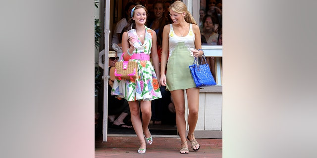 "Leighton Meester (L) and Blake Lively (R) film ""Gossip Girl."""