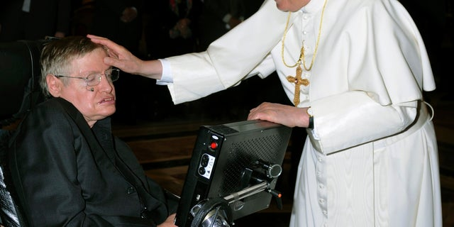 Stephen Hawking with Pope Benedict XVI.