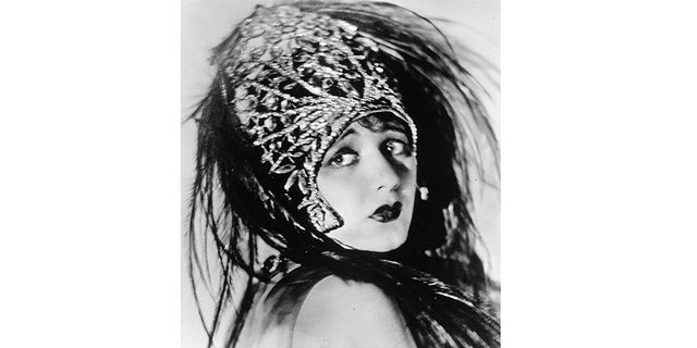 "Barbara La Marr starring as Donna Roma in ""The Eternal City""."