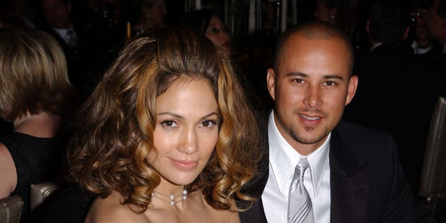 Jennifer Lopez and husband Chris Judd at the Governors Ball following the 74th Annual Academy Awards at the kodak Theater in Hollwood, Ca., 3/24/02. Photo by Frank Micelotta/ImageDirect.