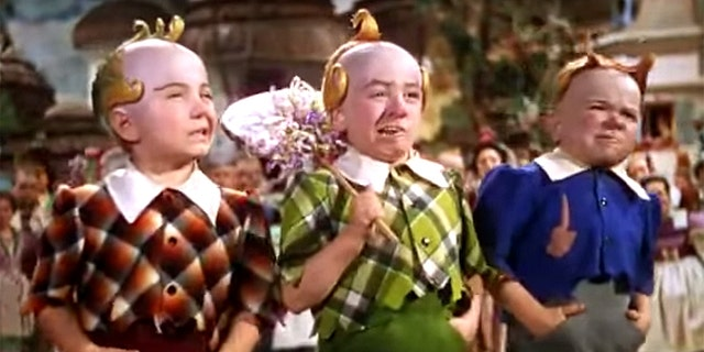 """Jerry Maren, center, is best known as his role as the lollipop-toting munchkin in the """"Wizard of Oz."""""""