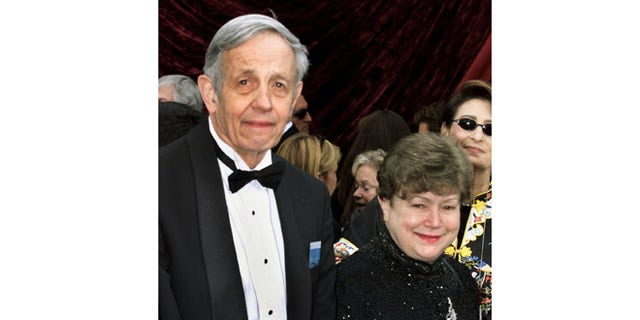 """Nobel Prize winning mathematician John Forbes Nash and his wife Aliciaarrive at the 74th annual Academy Awards in Hollywood, March 24, 2002.Nash is the subject of the film """"A Beautiful Mind,"""" which has eightOscar nominations, including Best Motion Picture. REUTERS/Fred ProuserJH - RTR2WVH"""