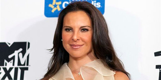"""FILE - In this July 31, 2012, file photo, Mexico's actress Kate del Castillo poses for photos during a photo call to promote the documentary """"Esclavos Invisibles"""" (""""Invisible Slaves"""") in Mexico City. Del Castillo will star in the Spanish âVagina Monologuesâ opening Tuesday, May 6, 2014, at the Westside Theatre in New York.  (AP Photo/Alexandre Meneghini, File)"""
