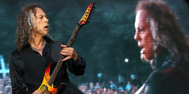 Kirk Hammett of Metallica performs at the Global Citizen Festival at Central Park in Manhattan, New York, U.S., September 24, 2016. REUTERS/Andrew Kelly - S1AEUDGHKNAA