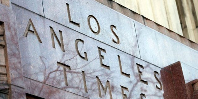 The Los Angeles Times restored the original version of a story that details an allegedly crooked detective's plea deal.