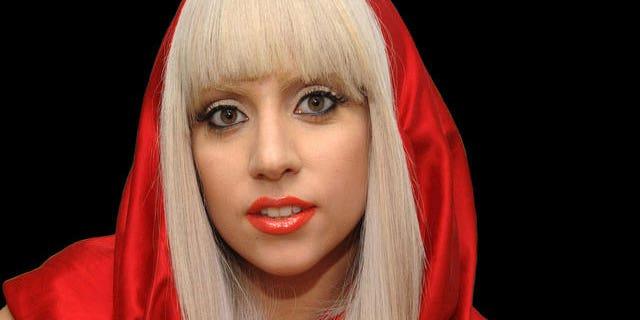 Lady Gaga is a snood fan.