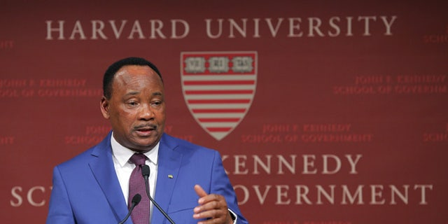 Issoufou Mahamadou, President of Niger, speaks at the John F. Kennedy School of Government at Harvard University in Cambridge, Massachusetts April 3, 2015.  REUTERS/Brian Snyder - RTR4W1WZ