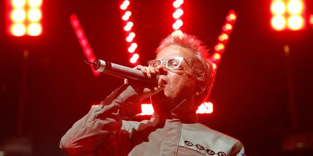 "Mark Mothersbaugh of ""Devo"" performs at the Coachella Music Festival in Indio, California April 17, 2010.   REUTERS/Mario Anzuoni  (UNITED STATES - Tags: ENTERTAINMENT PROFILE) - RTR2CYMR"