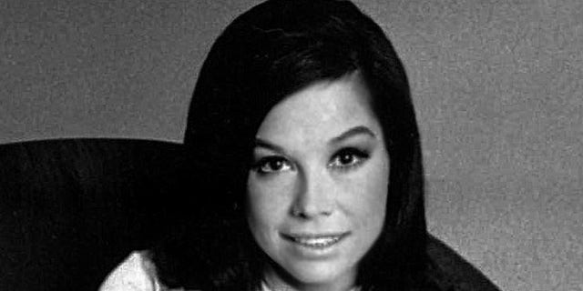 Mary Tyler Moore was born on December 9, 1936, and passed away on January 25, 2017.