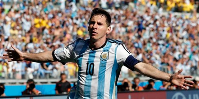 The Obama family was given two Argentine national football team jerseys signed by star Lionel Messi that were valued at $1,700.