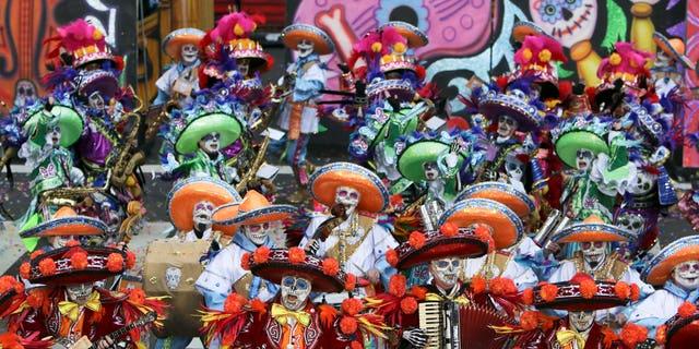 A scene from the 116th annual Mummers Parade in Philadelphia on Friday, Jan. 1, 2016. (AP Photo/Joseph Kaczmarek)