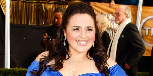 """Actress Nikki Blonsky from the film """"Hairspray'' arrives at the 14th annual Screen Actors Guild Awards in Los Angeles January 27, 2008.  REUTERS/Mike Blake    (UNITED STATES)"""