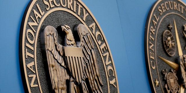 """گروه چینی """"شبیه سازی شده"""" محققان این هفته گفتند که کد سالها قبل از رفع نقص امنیتی توسط آژانس امنیت ملی به سرقت رفته است.  (AP Photo / Patrick Semansky، پرونده)"""