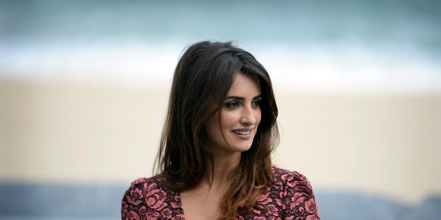 Actress Penelope Cruz attends a photocall to promote the feature film Venuto Al Mondo (Twice Born) at the Kursaal Centre on the fifth day of the 60th San Sebastian Film Festival September 25, 2012.