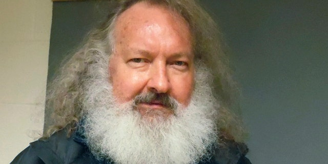 Randy Quaid slams Biden's comments about Texas, Mississippi reopening: 'I am appalled'.jpg