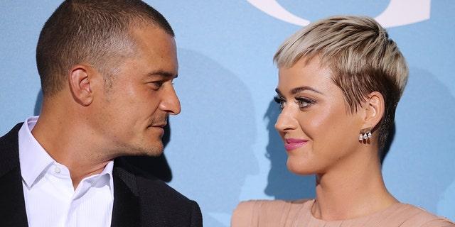 Katy Perry receivespresents from Orlando Bloom's ex-wife, Miranda Kerr on her birthday.