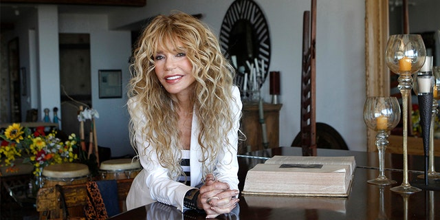 """Actress Dyan Cannon poses for a portrait at her home in West Hollywood, California October 12, 2011. It was a fairy tale romance that turned in to a stormy marriage, and now Dyan Cannon has chronicled her relationship with Hollywood legend Cary Grant in her new book, """"Dear Cary: My Life with Cary Grant."""" With an age difference of over 30 years, the duo had a magical courtship in the 1960s that eventually gave way to the dark side of Grant after they were engaged. Following three years of marriage and not long after the birth of their daughter Jennifer, the couple divorced and Cannon suffered a nervous breakdown."""