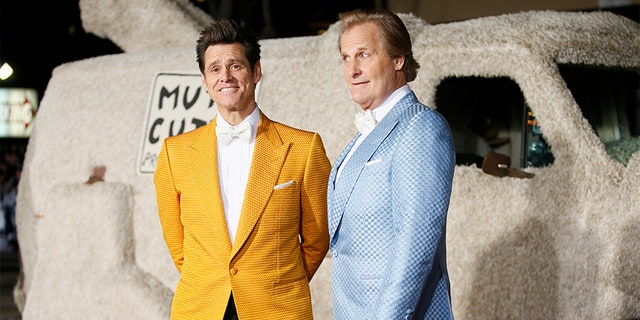 Jeff Daniels (right) with Jim Carrey.