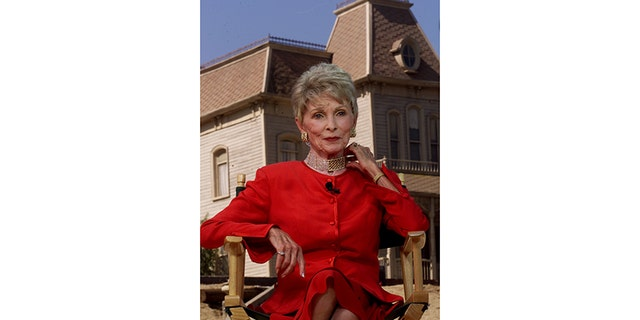 "Actress Janet Leigh, star of the 1960 classic film "" Psycho,"" does television interviews commemorating the centennial birthday of filmmaker Alfred Hitchcock, August 13 on the Universal Studios lot with the ""Psycho"" house in the background in 1999."