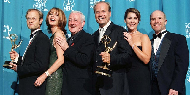 """John Mahoney's former """"Frasier""""co-star remembers the actor following his recent death."""