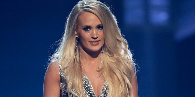 Carrie Underwood made her first public appearance since her facial injury at the ACM Awards in April. Many viewers pointed out her scars were barely noticeable.