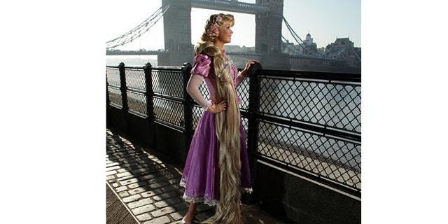Rapunzel takes a break by the Thames where she admires Tower Bridge.