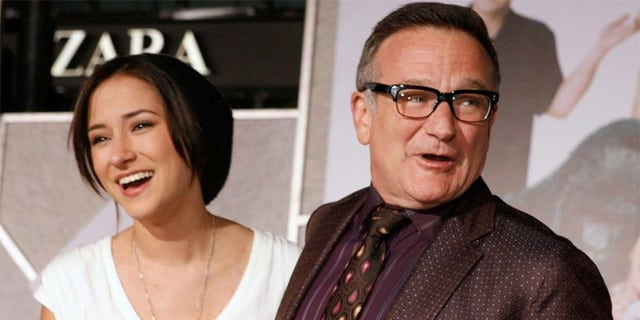 Instagram filter combines Robin Williams' daughter with Dad's Aladdin character