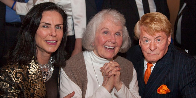 Doris Day (center) with admirers.