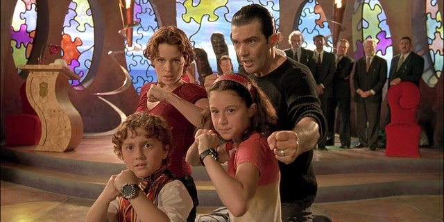 "Alexa Vega stars in the hit film ""Spy Kids"" along side Daryl Sabara who played her brother Juni and Antonio Banderas and Carla Gugino, who played her parents Ingrid and Gregorio Cortez,"