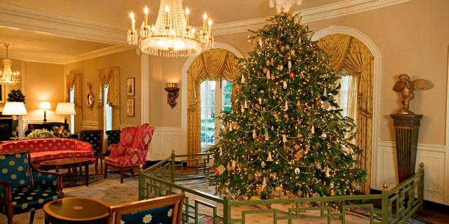 Williamsburg Inn Christmas Tree