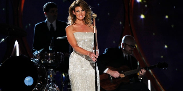 Faith Hill is expected to perform at Aretha Franklin's Aug. 31 funeral.