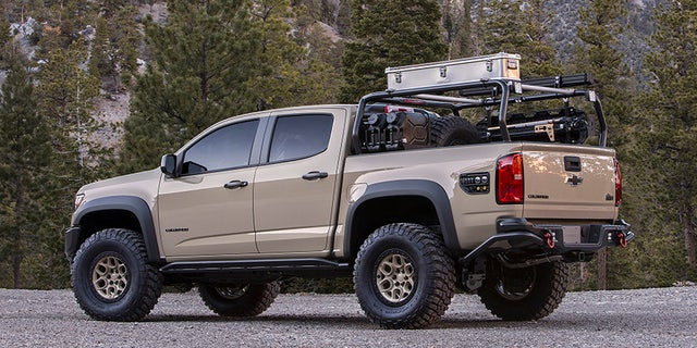 Colorado ZR2 AEV SEMA concept, created in collaboration with legendary off-road manufacturer American Expedition Vehicles features the 2.8L Duramax turbo-diesel engine and elevates the ZR2 for even greater adventures.